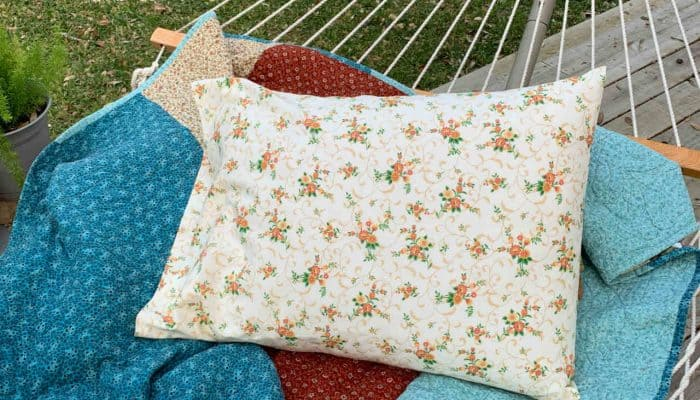 sew a simple pillowcase