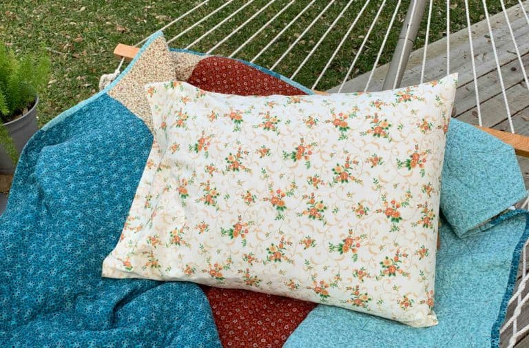 How to Sew a Simple Pillowcase