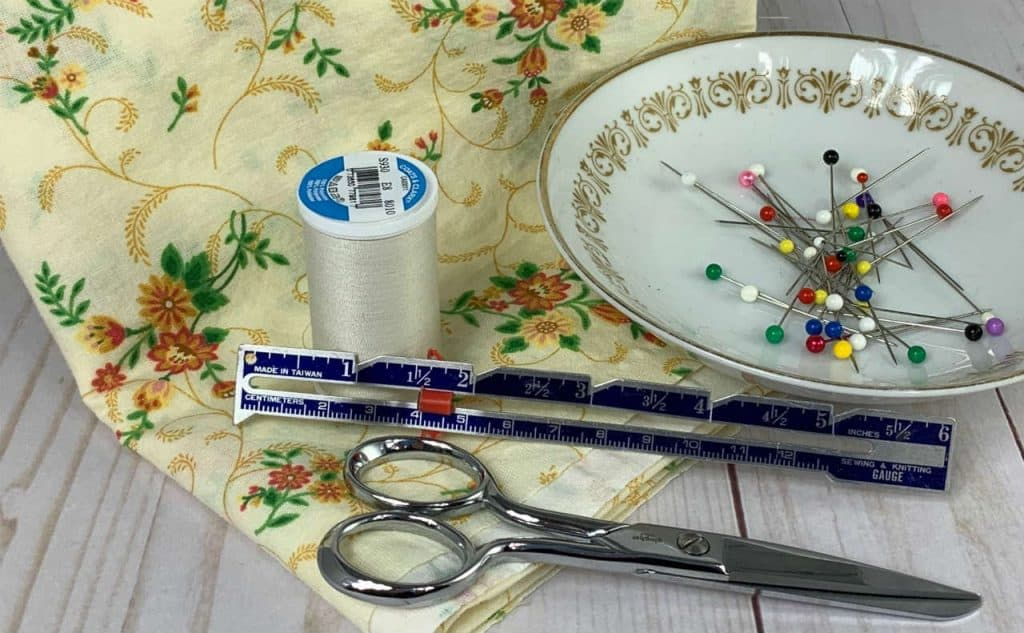 supplies to sew a simple pillowcase