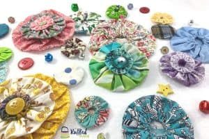 a bunch of fabric yo-yos