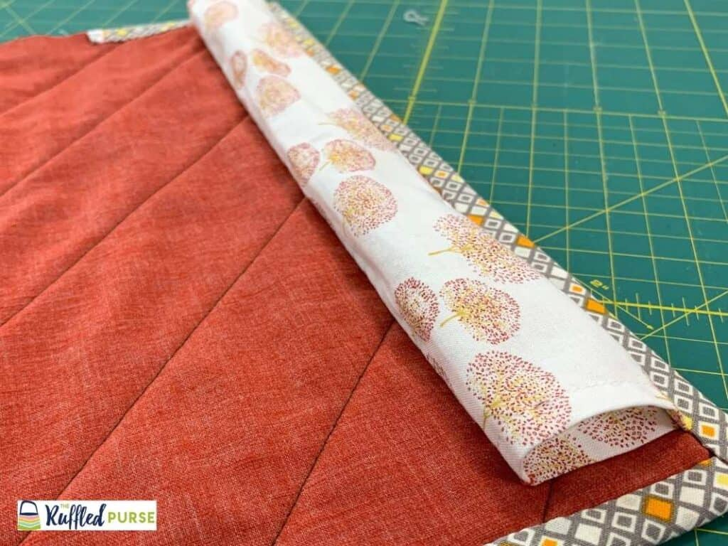 Rectangle sleeve to hang a quilt